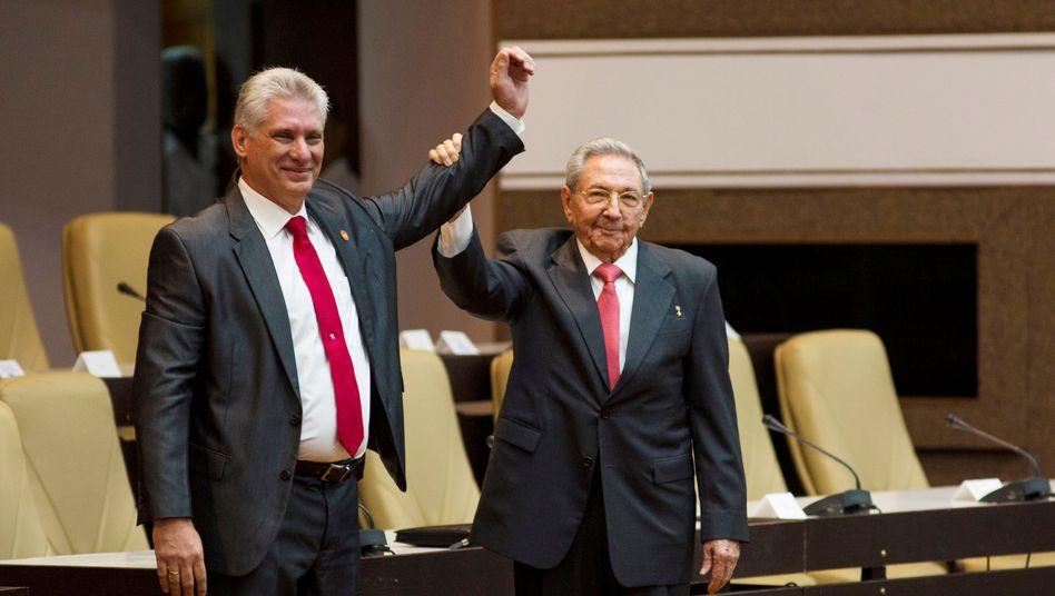 Staatschef Miguel Díaz-Canel, Parteichef Raúl Castro: Rütteln an den Grundfesten der Revolution