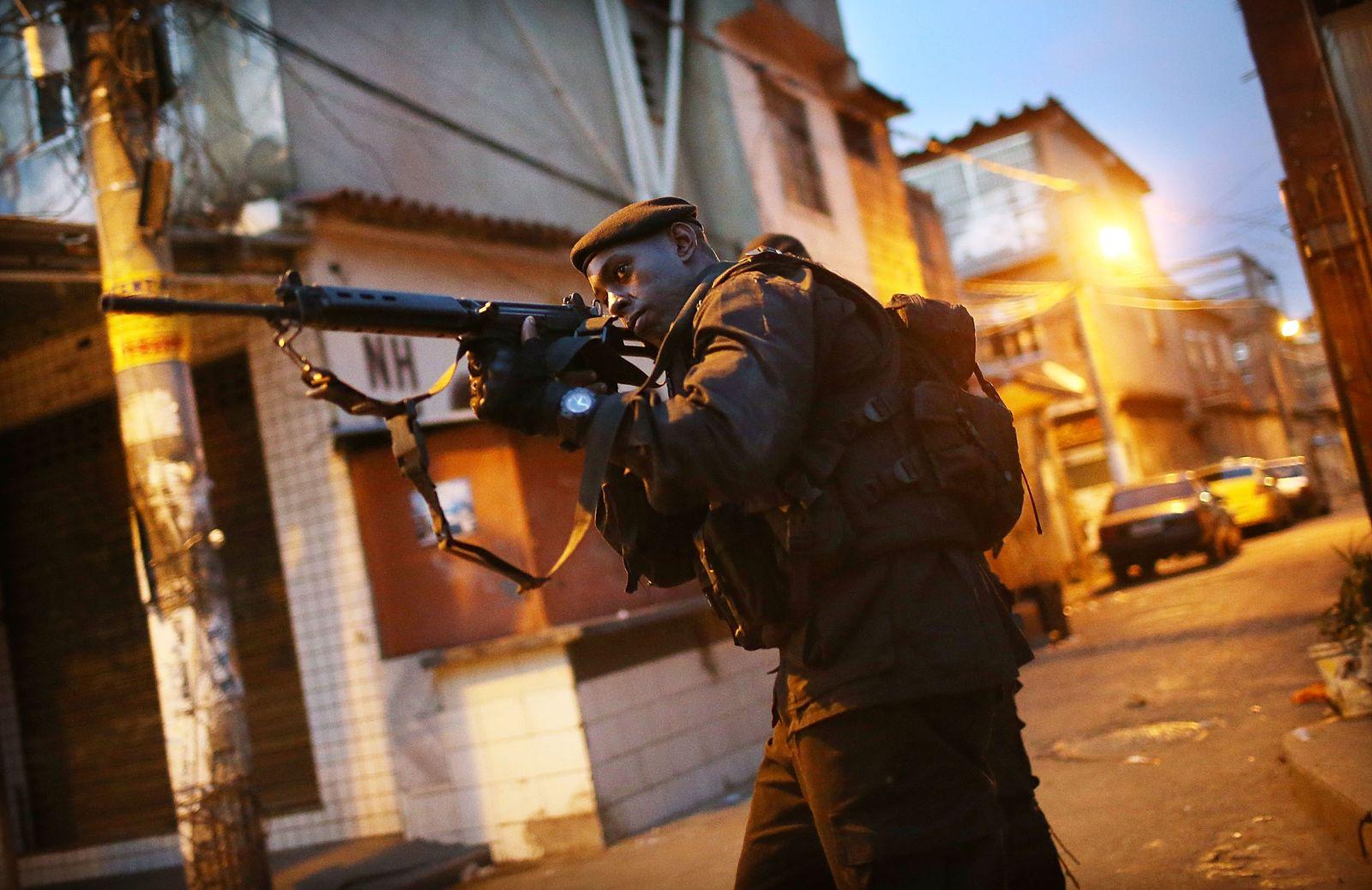Brasilien/ Rio/ Elitesoldaten