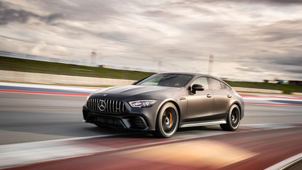 Autogramm Mercedes AMG GT Viertürer: Jedem sein Türchen