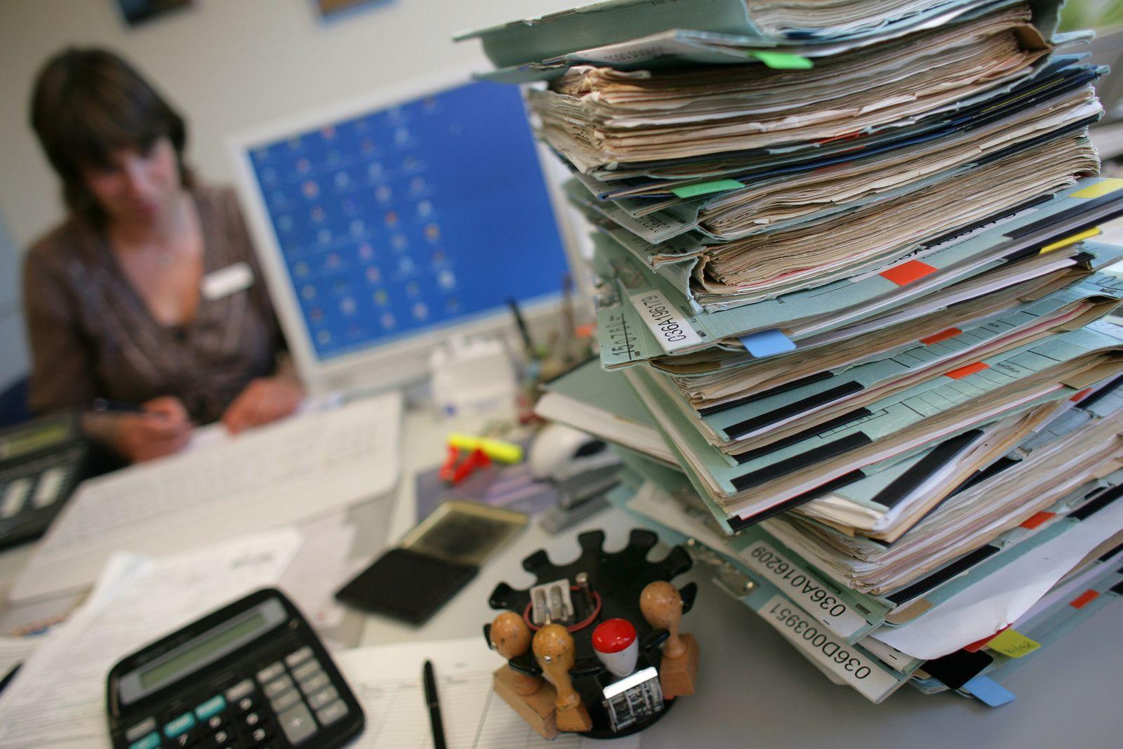 Bürokratie / Überstunden