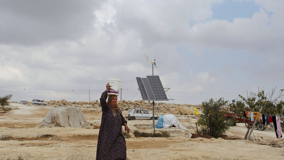 Photo Gallery: Solar Power for the West Bank