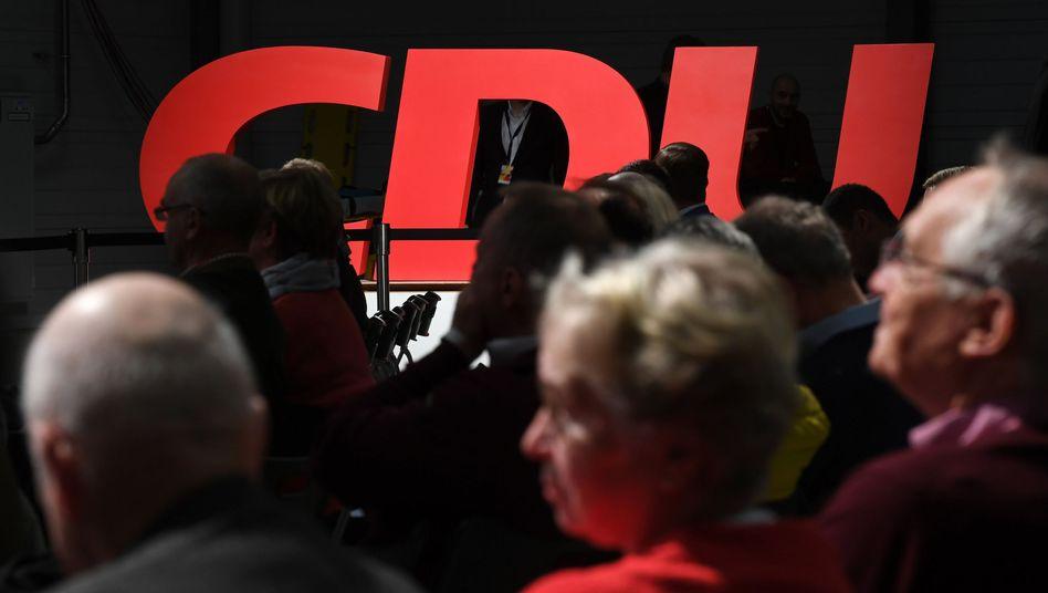 Parteilogo der CDU in Sachsen-Anhalt: Teile der Basis befürchten ein Fiasko bei den Landtagswahlen 2021