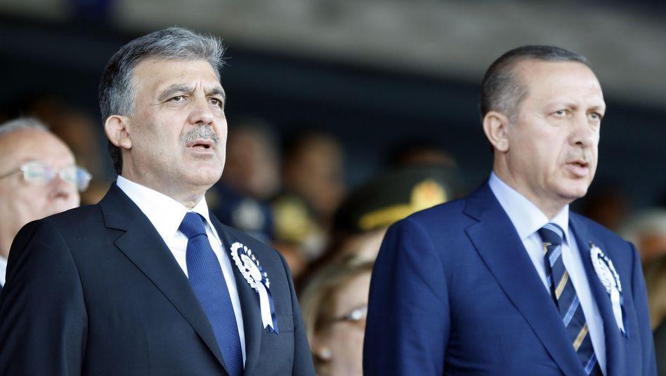 Präsident Gül, Premier Erdogan (Archiv): Bruderkampf in Ankara