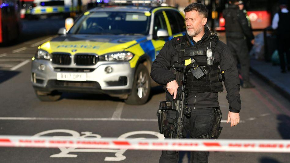 London: Polizei am Tatort auf der London Bridge