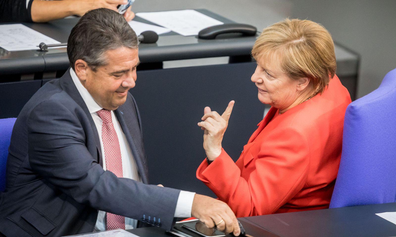 Bundestag/ Gabriel/ Merkel