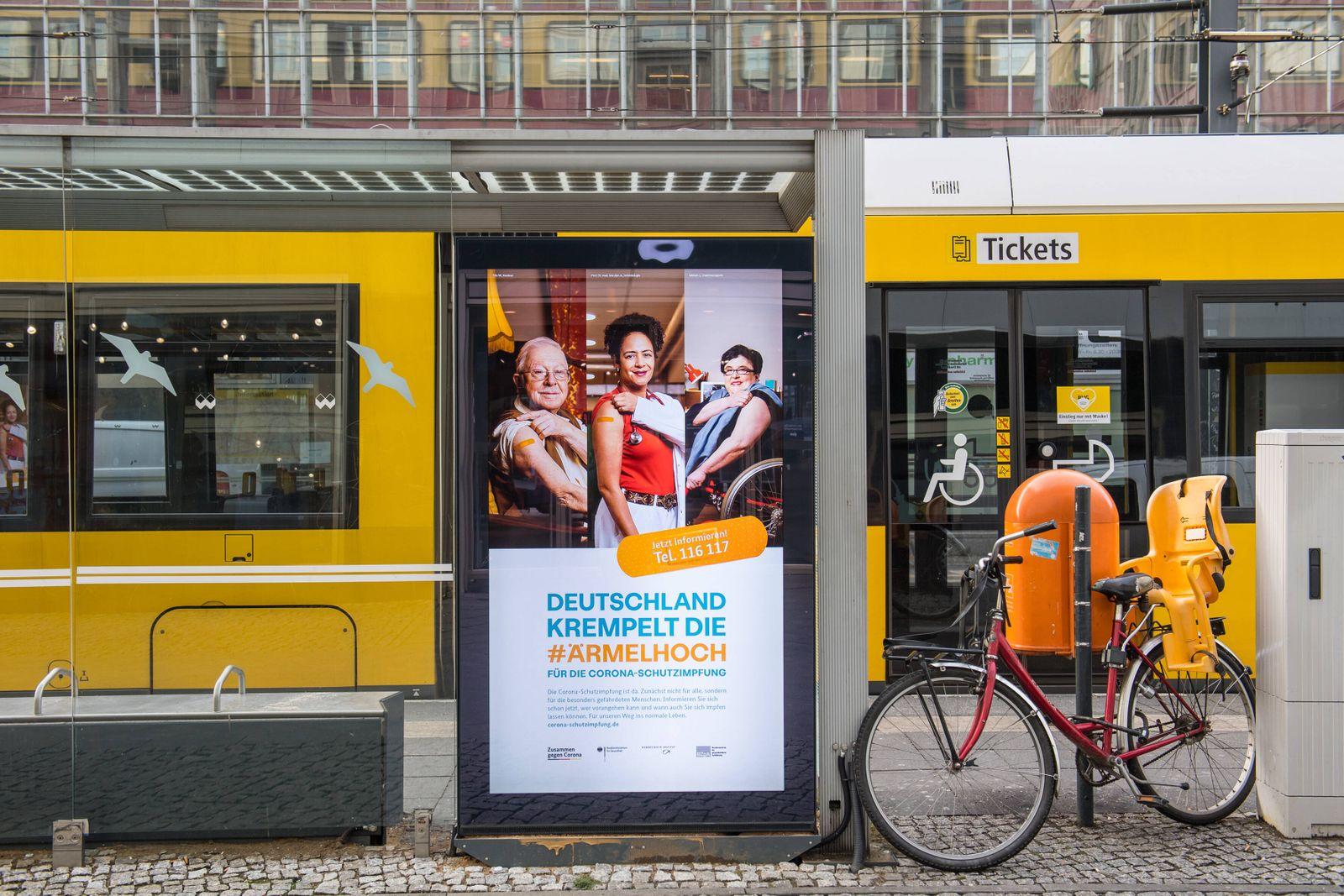 Gesundheit Corona-Virus Impfkampagne Werbung des Bundesgesundheitsministerium fuer Gesundheit, des Robert Koch-Institut