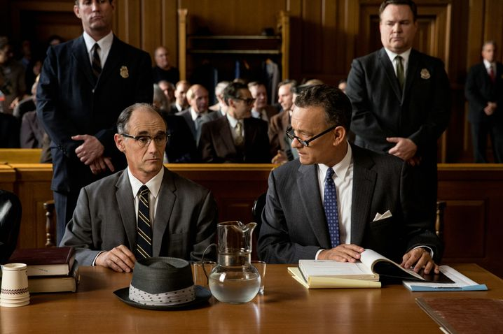 "Mark Rylance, links, und Tom Hanks in ""Bridge of Spies"""