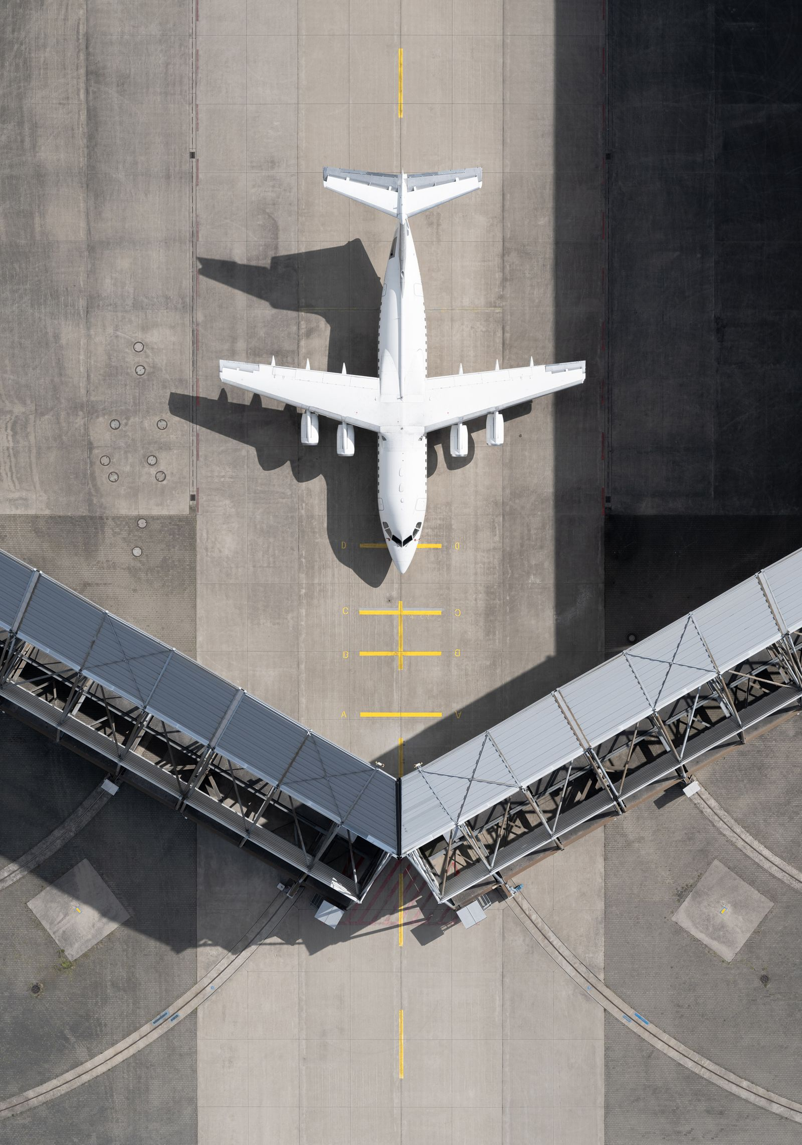 Buch/ Tom Hegen: Aerial Observations on Airports