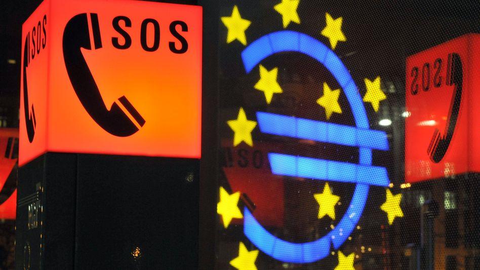 Notrufsäulen vor der EZB in Frankfurt am Main: Bis zu 100 Milliarden Euro für Madrid