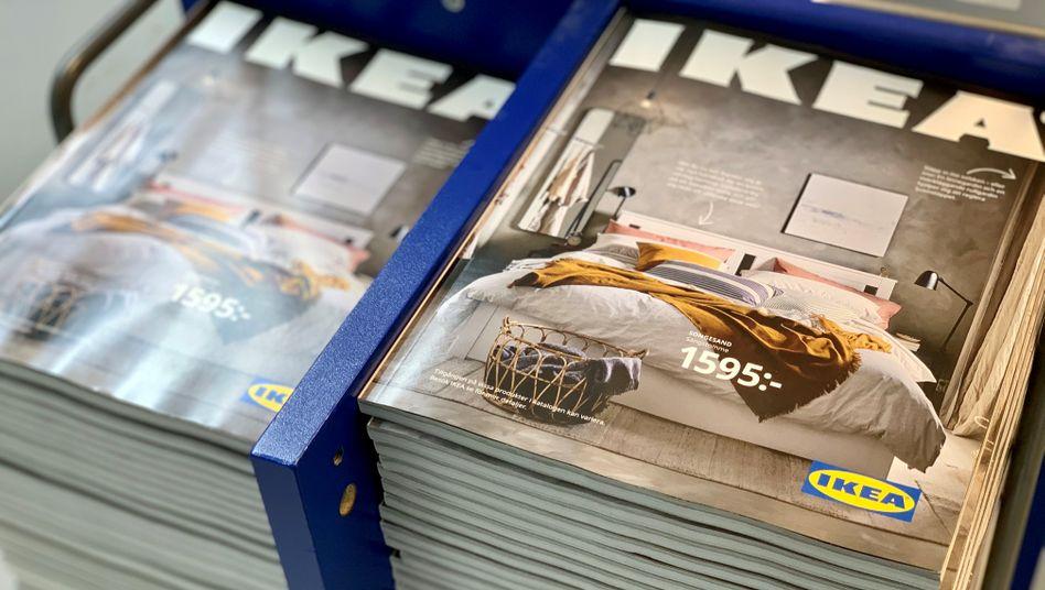 Moderner Klassiker: Ikea-Kataloge in einer Filiale am Rande von Stockholm