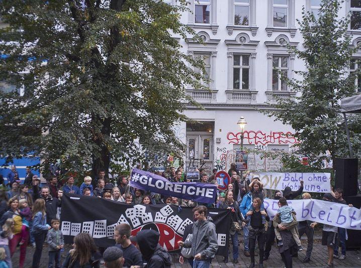 Straßenfest vor dem Haus Reichenberger Straße 55