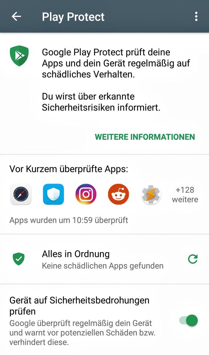 Das unter Android vorinstallierte Play Protect hält Smartphones & Co. virenfrei. Sie finden es im Menü des Play Store (Knopf oben links).