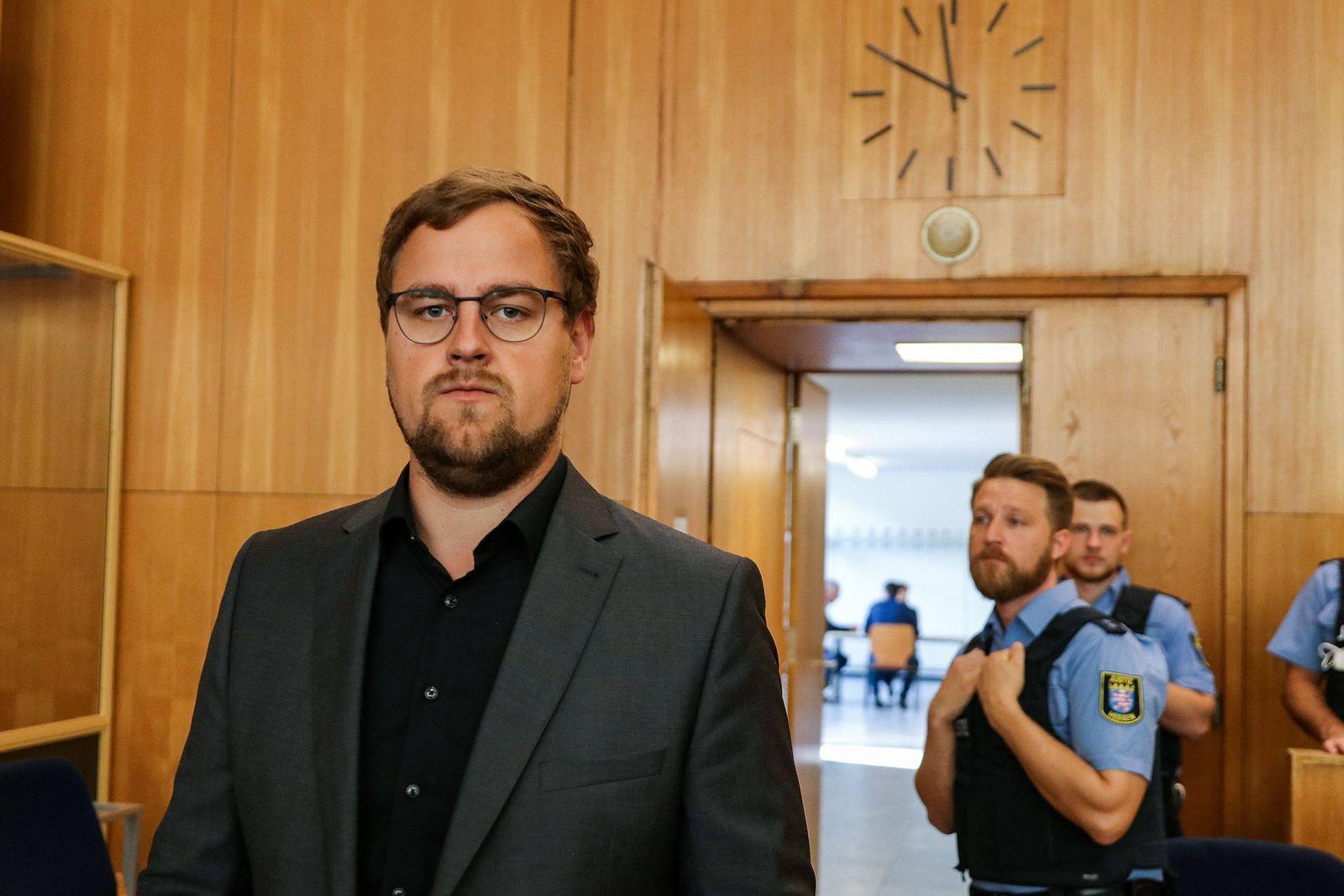 02.07.2020, xmkx, Justiz, Prozess gegen Stephan Ernst und Markus H. wegen des Mordes an Walter Luebcke v.l. Nebenkläger
