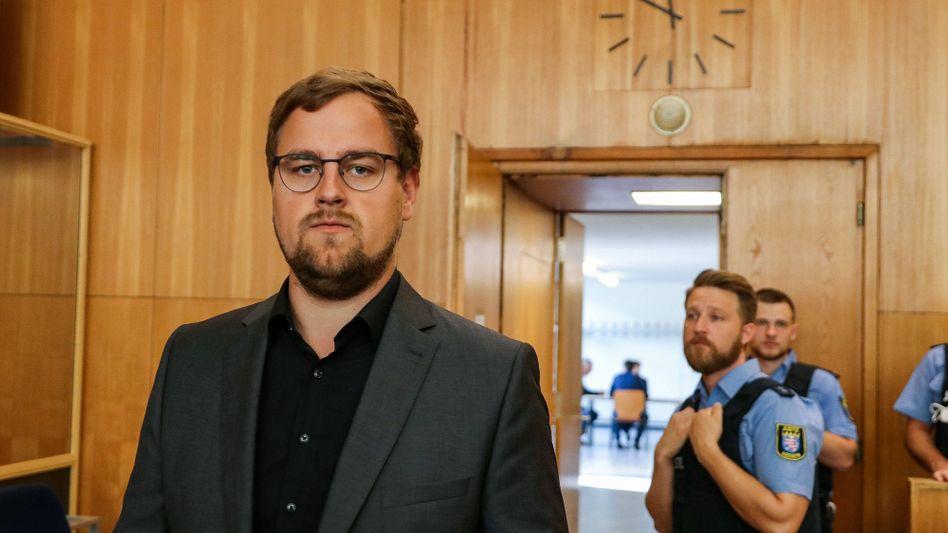 """Jan-Hendrik Lübcke im Oberlandesgericht Frankfurt am Main: """"Es sah alles normal aus - wie sonst auch, wenn ich nach Hause kam"""""""