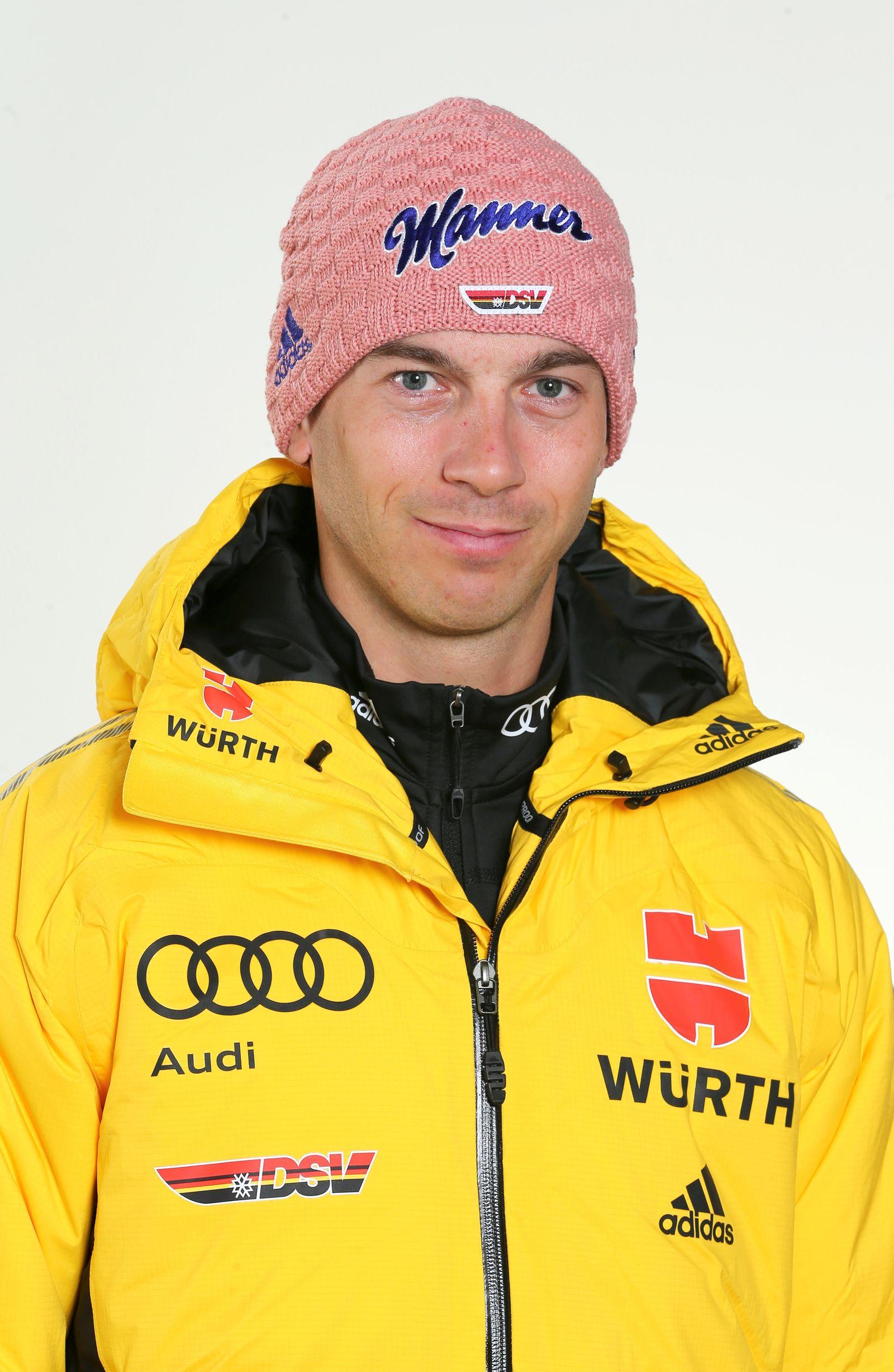 EINMALIGE VERWENDUNG Skispringer/ Michael Neumayer
