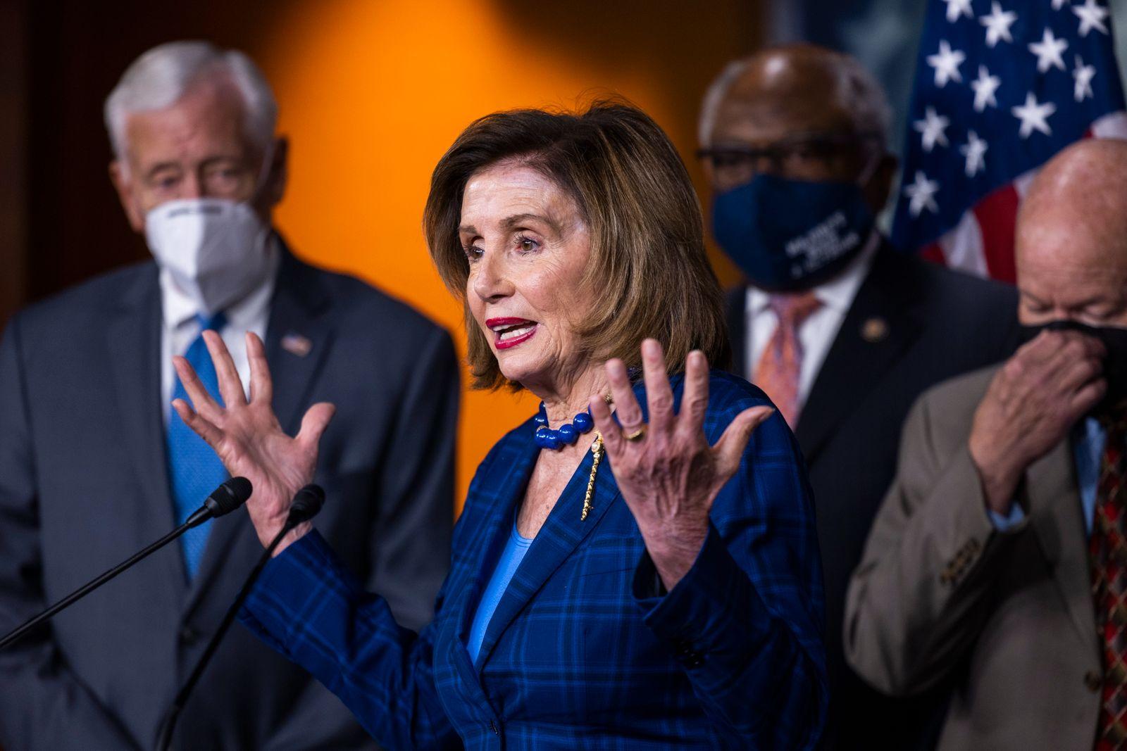 Pelosi speaks on Democrats' legislative agenda in Capitol