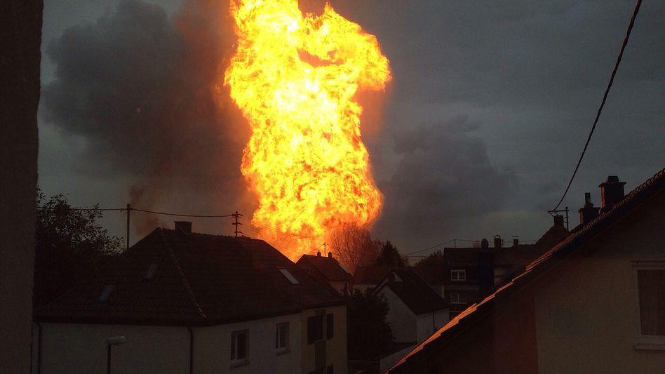 Trümmerfeldin Wohngebiet: Ein Toter bei Explosion in Ludwigshafen