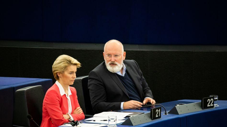 EU-Kommissionspräsidentin von der Leyen, Vize Timmermans