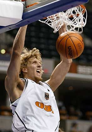 """""""MVP"""": Dirk Nowitzki"""