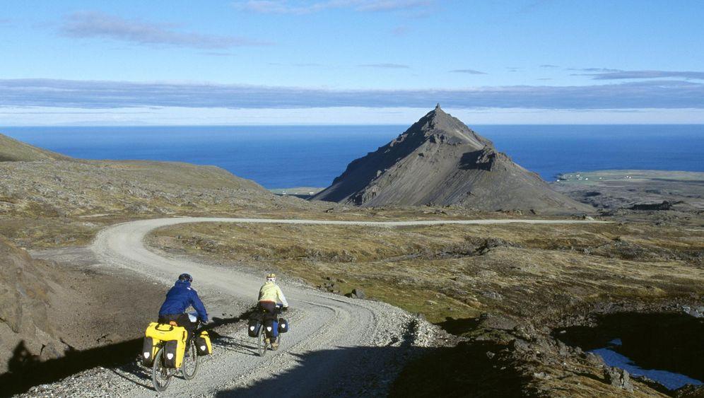Radeln in Island auf der Kjölur-Route: Regenbögen, Trolle und die blaue Lagune