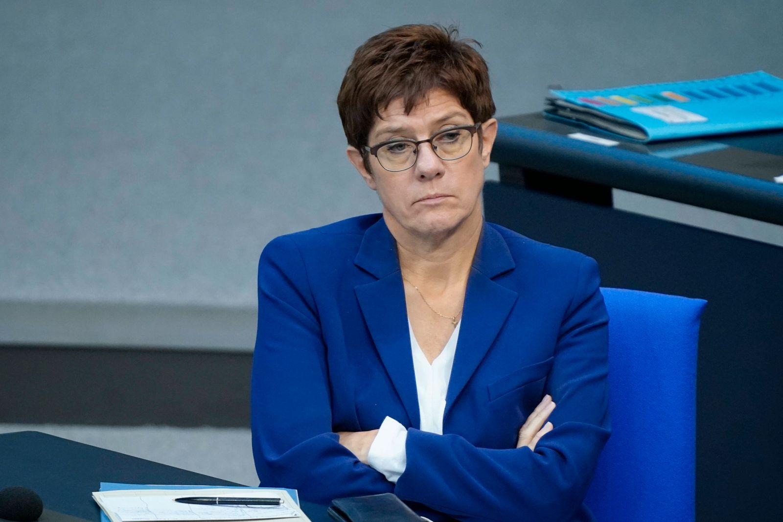 179. Sitzung des Deutschen Bundestag mit Haushaltsdebatte in Berlin Aktuell, 30.09.2020, Berlin, Annegret Kramp-Karrenba