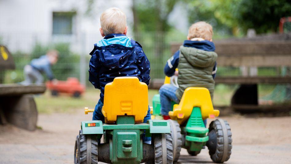 Kinder auf einem Spielplatz: Bekannt als Virusschleudern