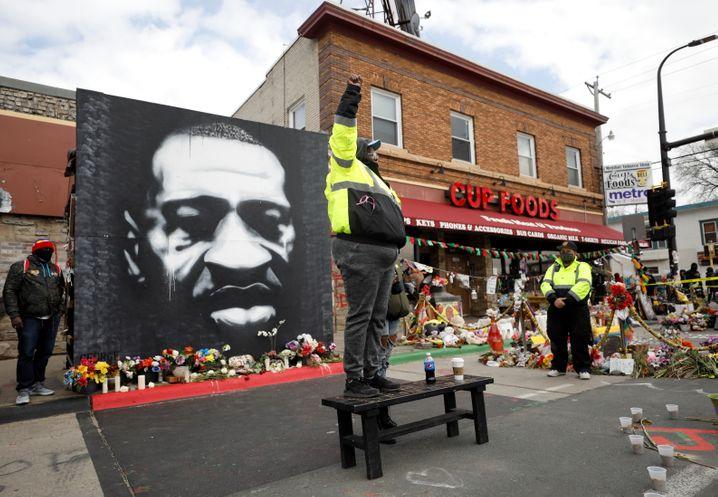 Demonstrierende in Minneapolis fordern Gerechtigkeit für George Floyd