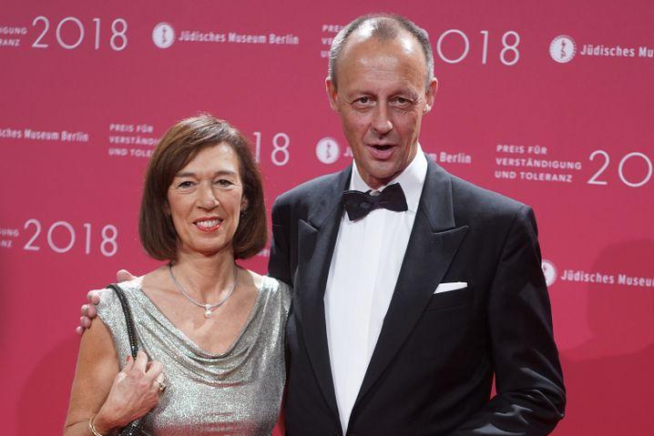 Ehepaar Merz bei Preisverleihung im Jüdischen Museum in Berlin