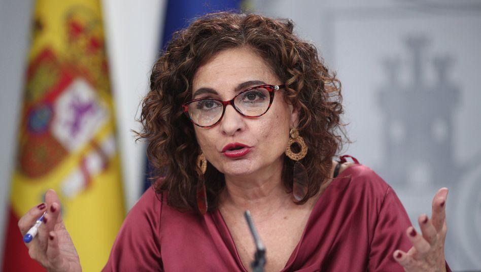 Spanische FinanzministerinMaría Jesús Montero: Steuer für Google, Amazon, Facebookund Co.