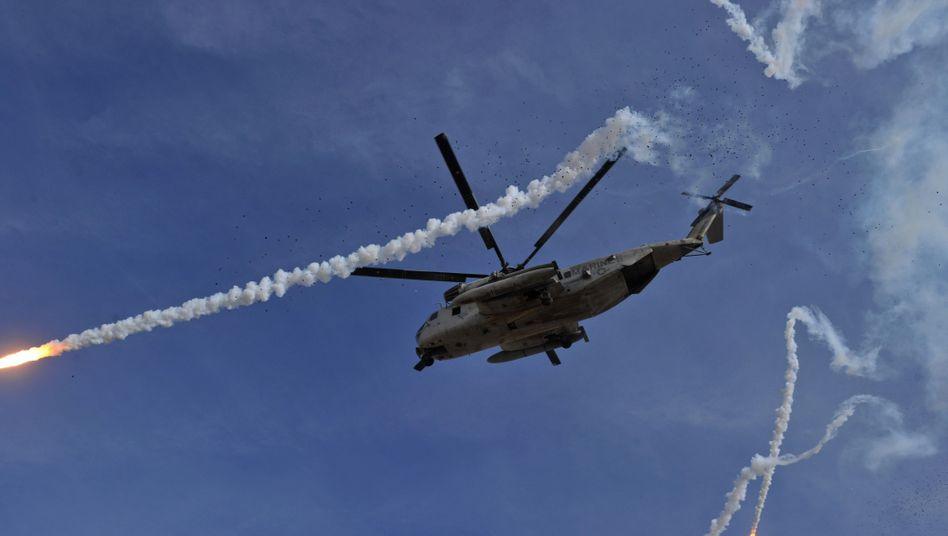 Nato-Hubschrauber beim Einsatz in Afghanistan (Archivbild): Heikle Raketenangriffe