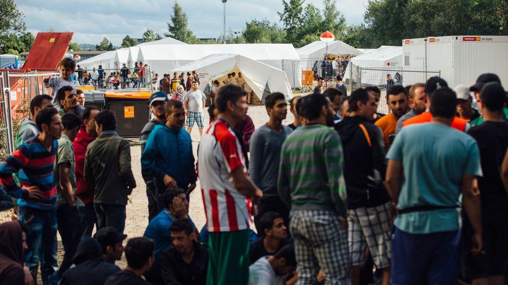 Flüchtlingscamp in Dresden: 50 Quadratmeter Zelt für 34 Flüchtlinge
