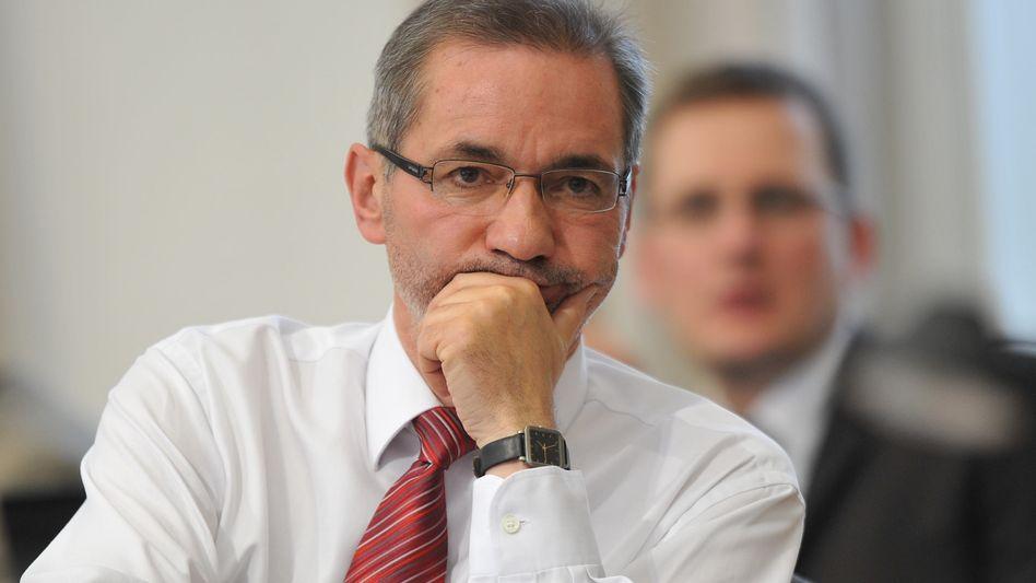 Pannenflughafen BER: Platzeck gewinnt Vertrauensabstimmung im Landtag