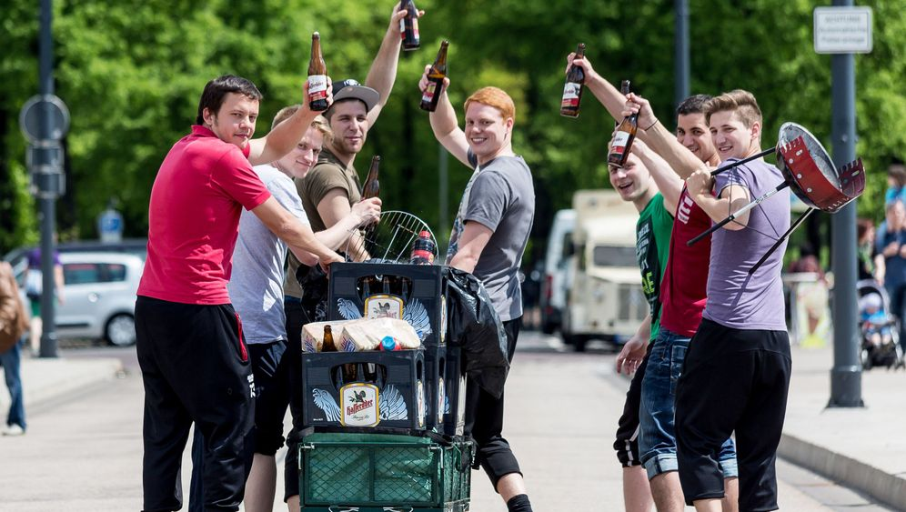 Photo Gallery: Welcome to Father's Day in Germany