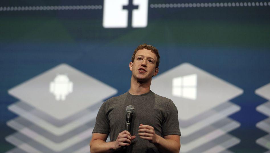 Facebook-Chef Mark Zuckerberg (Archiv): Das soziale Netzwerk profitiert von Werbeeinnahmen im Mobilgeschäft