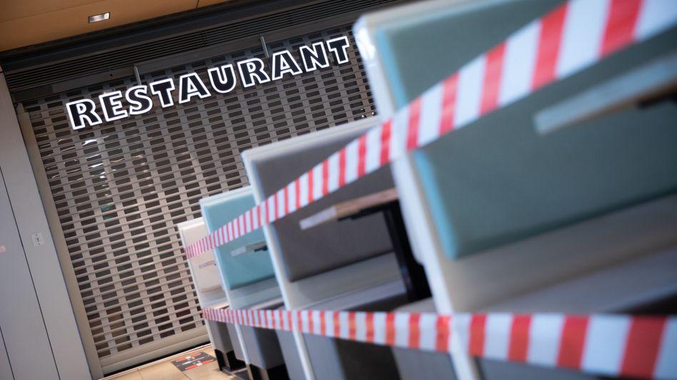 Restaurant in der Europa Passage Hamburg (Archivbild): In der Gastronomie gibt es häufiger Tätigkeitsverbote