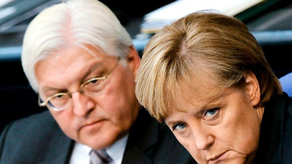 Kandidat Steinmeier und Kanzlerin Merkel: Details des politischen Showdowns wurden monatelang verhandelt