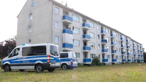 Nach acht Corona-Infektionen in diesem Häuserkomplex in Verden mussten alle Bewohner vorübergehend in Quarantäne und getestet werden