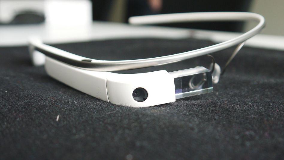 Datenbrille Glass: Attacke auf einen Journalisten