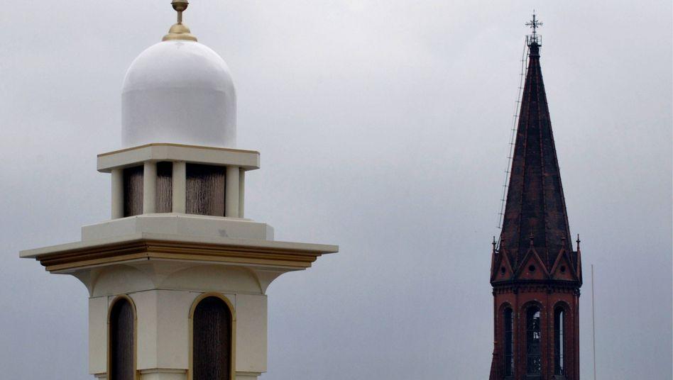 Islamische Moschee und christlichen Kirche in Berlin-Kreuzberg: Friedrich verletzt Gefühle