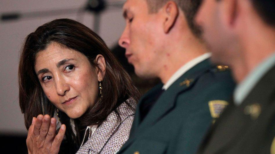 Betancourt (l.): 5,2 Millionen Schadensersatz für sich und Familie gefordert