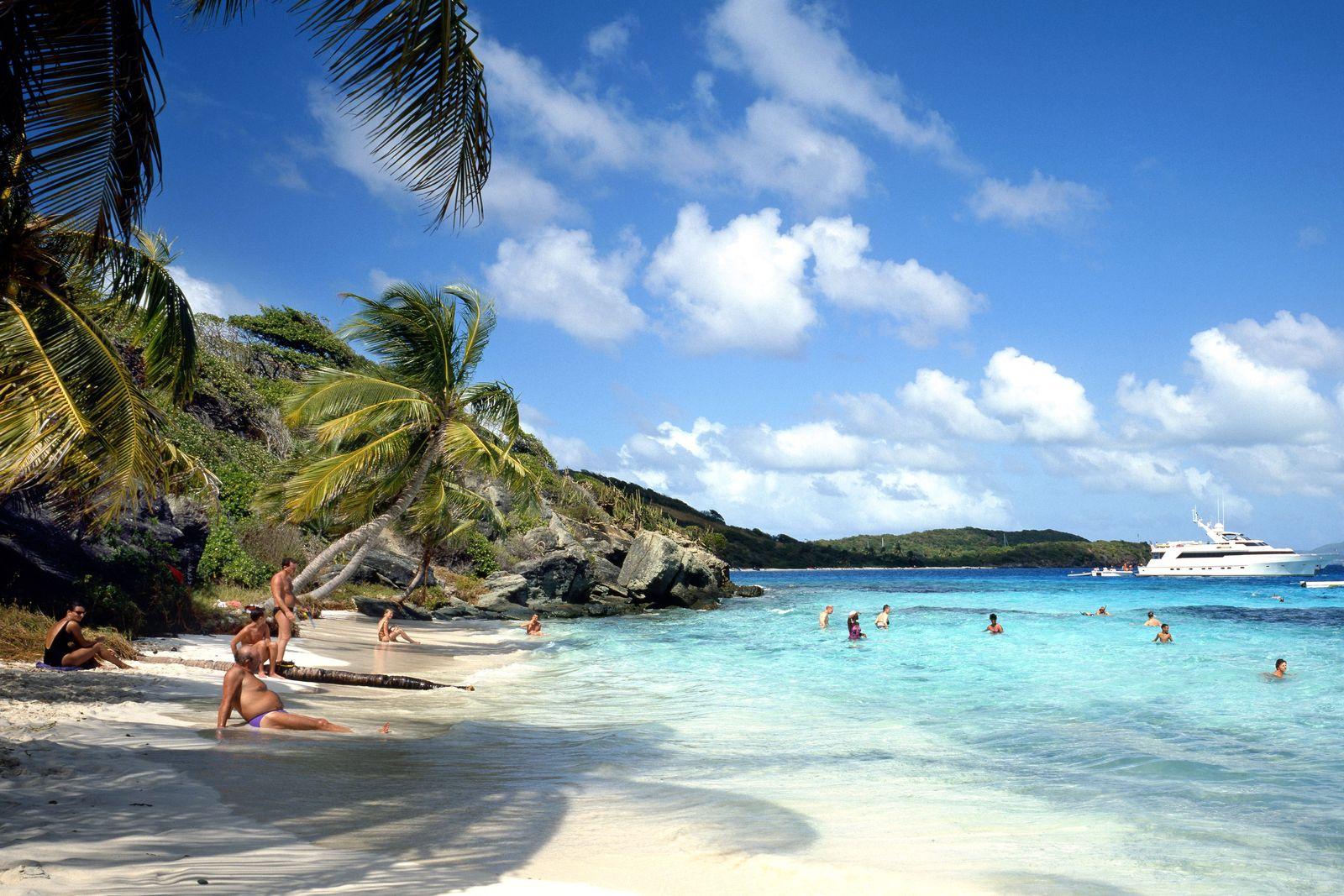 Tobago / Strand / Urlauber