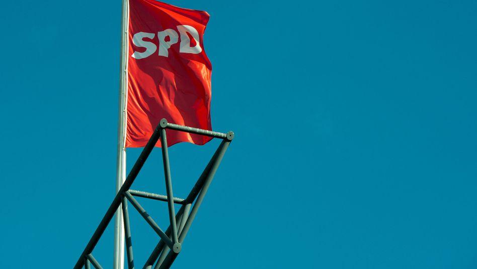 SPD-Fahne: Frauen pochen auf gesellschaftspolitische Akzente