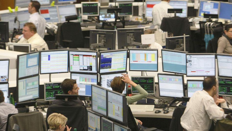 Broker in Frankfurt: Dax schon fast wieder auf Vor-Krisen-Level