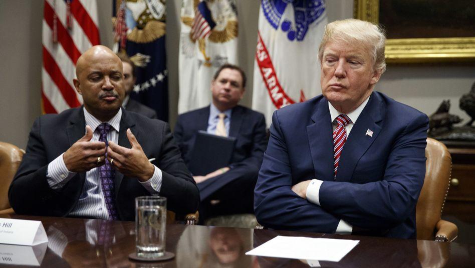Trump beim Treffen zum Thema Sicherheit in Schulen