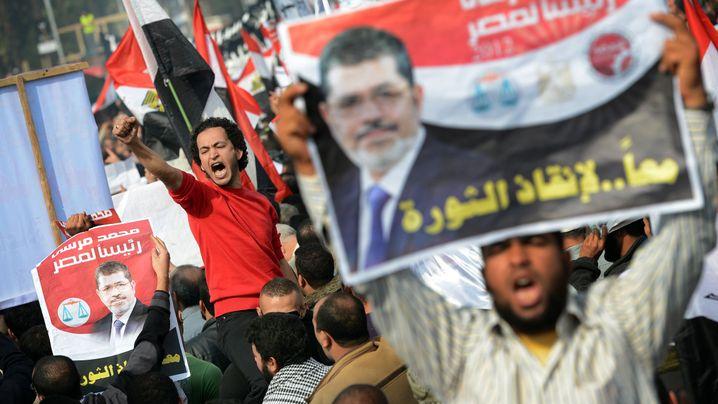 Islamisten-Demo in Kairo: Küsse für Mursi