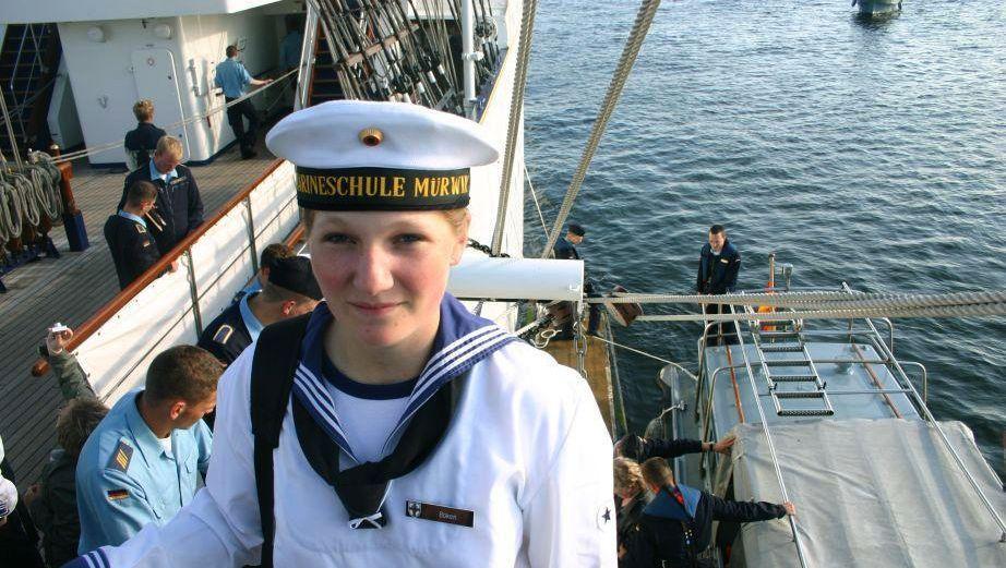 Die Marine-Kadettin Jenny Böken im August 2008 steht an Bord des Segelschulschiffes Gorch Fock: Im Wesentlichen Hörensagen