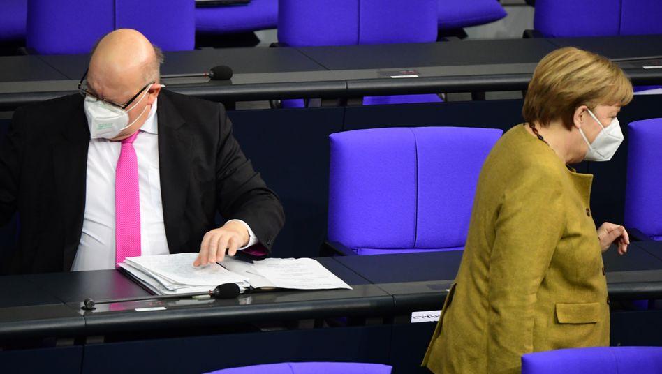 Wirtschaftsminister Altmaier, Kanzlerin Merkel: Den wirtschaftspolitischen Kompass verloren