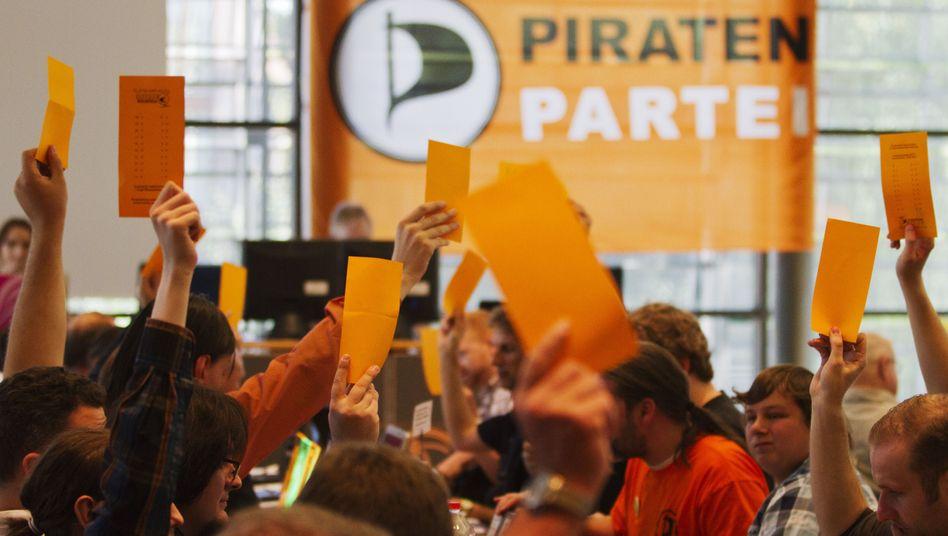 Abstimmung in Orange: Alle Macht der Basis - und einer Handvoll ambitionierter Piraten