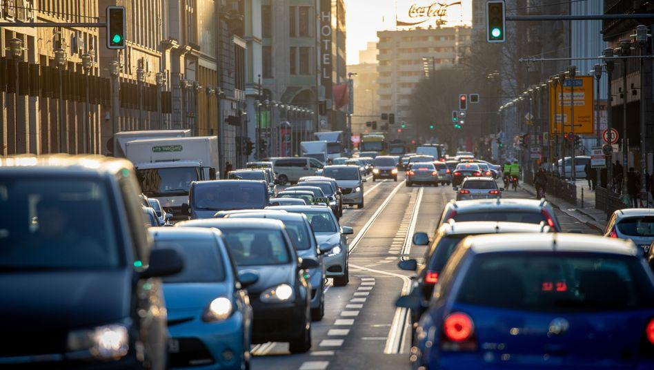 Hauptlärmverursacher Straßenverkehr: Autos auf der Leipziger Straße in Berlin