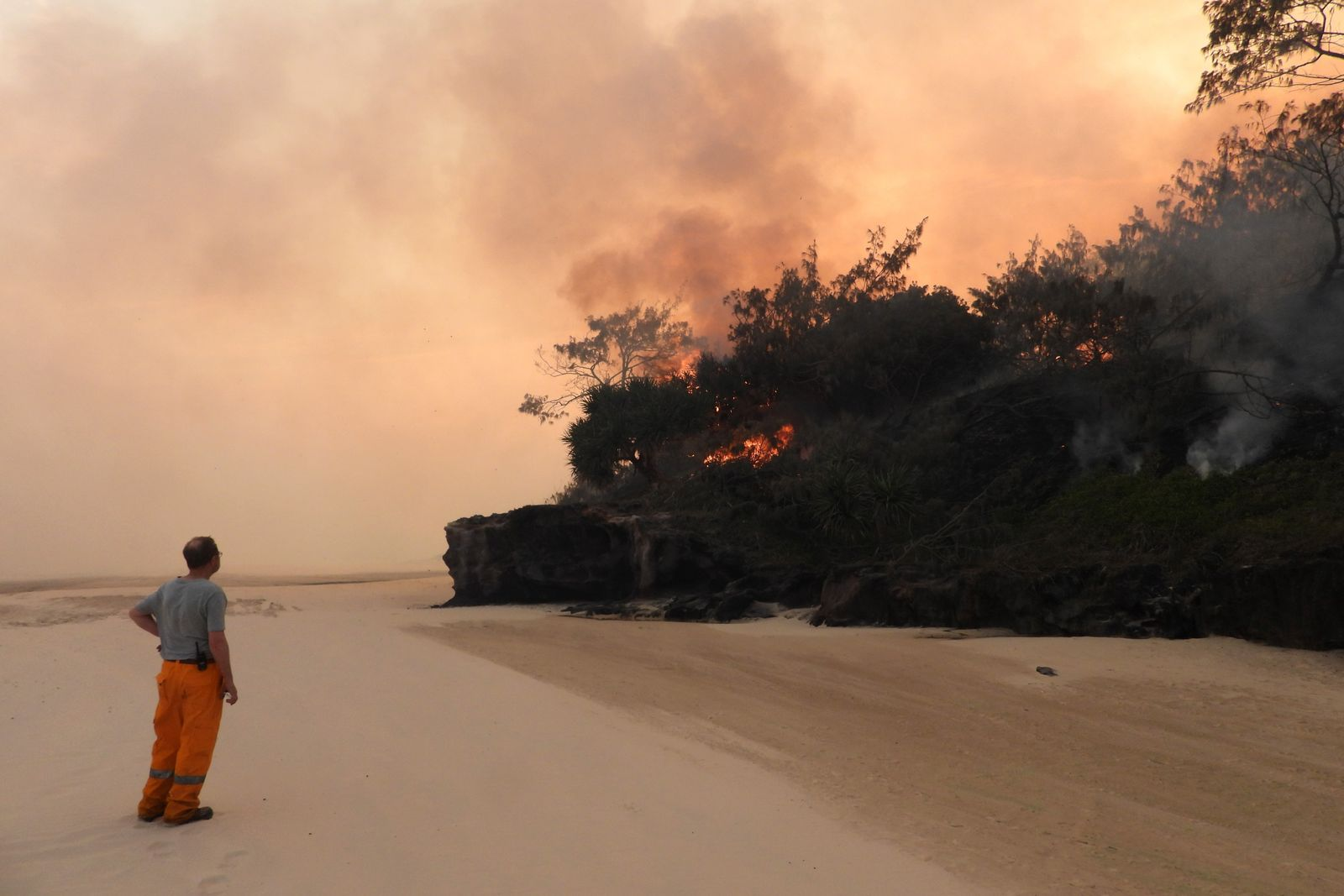 Bushfire Continues To Burn On Fraser Island